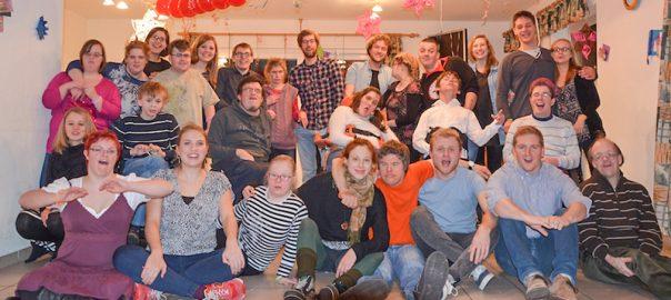 Die Samstagsgruppe II ist eine integrative Jugendgruppe für Jugendliche und Erwachsene.